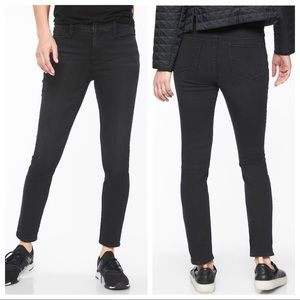 ATHLETA Sculptek Skinny Jean in Carbon Wash